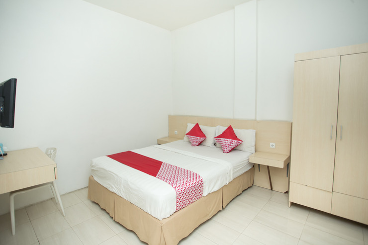 OYO 850 Lapan Lapan Banjarmasin - deluxe double bedroom