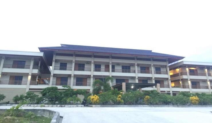 Hotel Grand Papua Kaimana Kaimana - Exterior