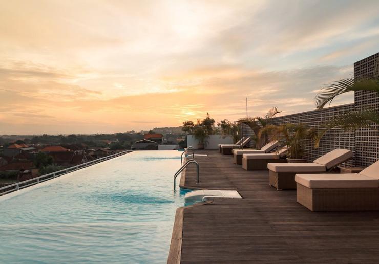 Infinity8 Bali - swimming pool