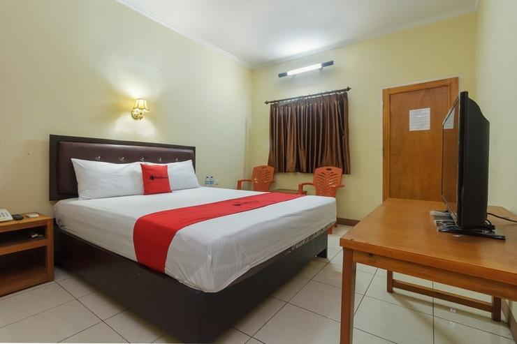 RedDoorz near Jalan Samratulangi 2 Manado Manado - Guestroom