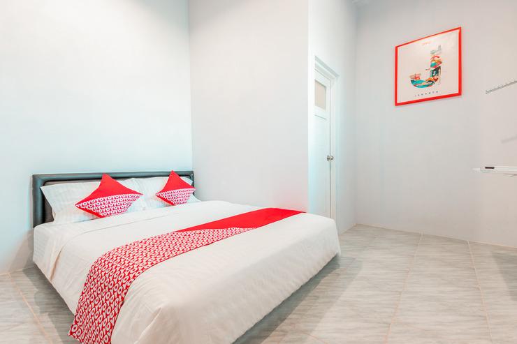 OYO 853 Fongki Place Jakarta - Bedroom