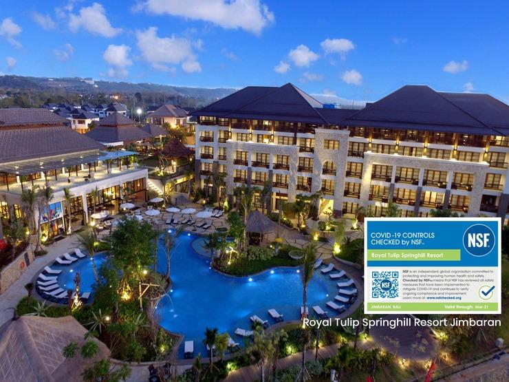 Royal Tulip Springhill Resort Jimbaran - Swimming Pool