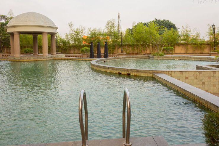 Collection O 6 Grand Palace Kemayoran Jakarta - Swimming Pool