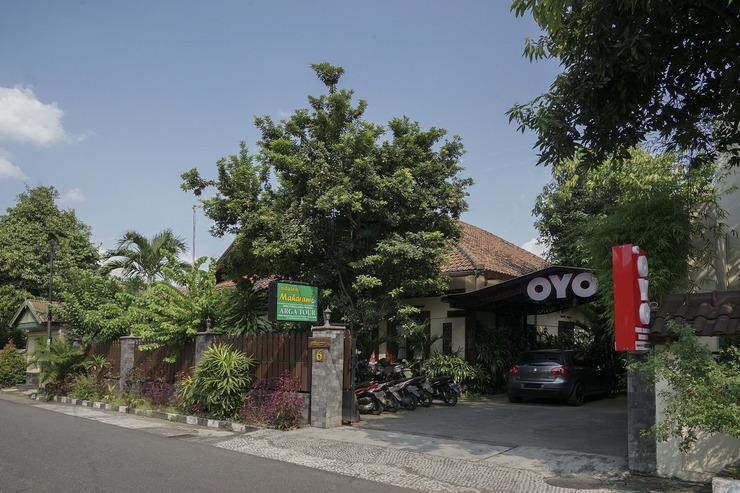 OYO 804 Ndalem Maharani Guest House Yogyakarta - Facade