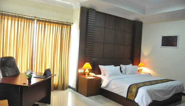 Riez Palace Hotel Tegal - Junior Suite