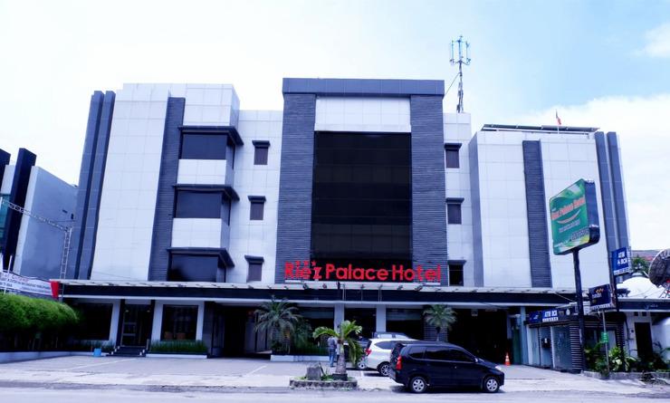 Riez Palace Hotel Tegal - Tampak Depan