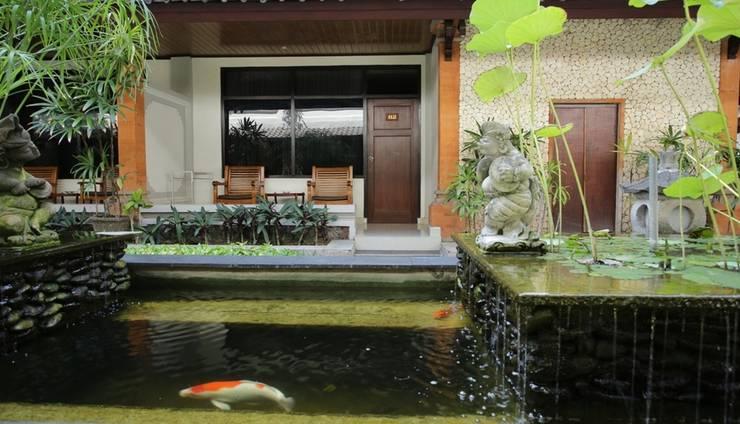 RedDoorz @Raya Pantai Kuta Bali - Eksterior