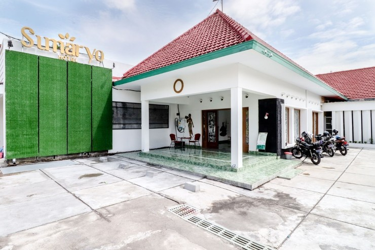 Hotel Sumaryo Yogyakarta - Exterior