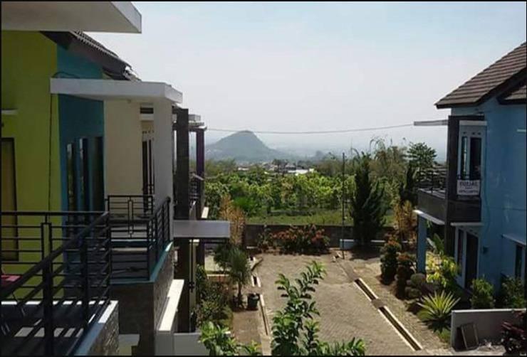 Villa Mutiara Panderman Malang - Tampak Depan