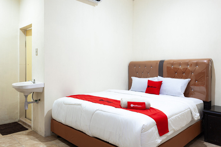 RedDoorz near Yuki Simpang Raya Mall Medan 2 Medan - Photo