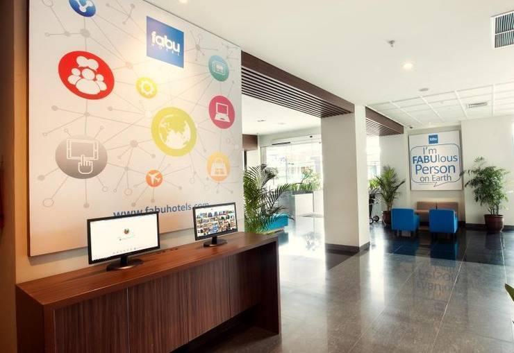 Fabu Hotel Bandung - Internet Corner