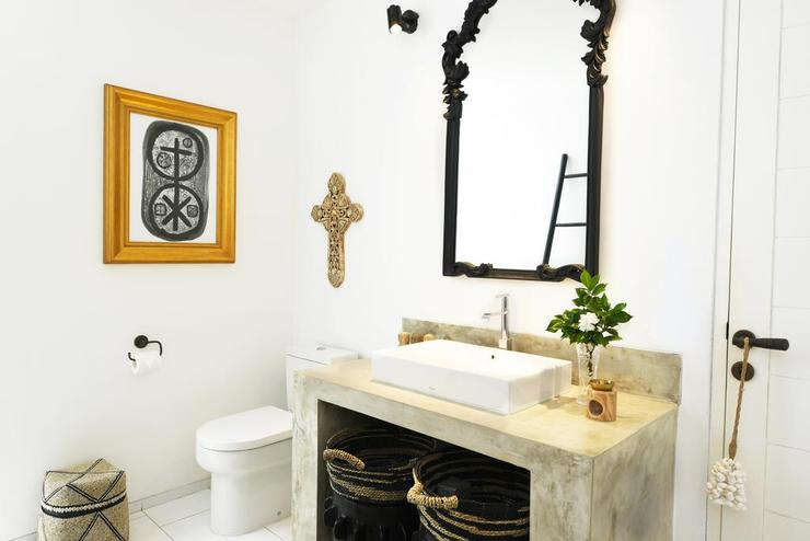 The Batu Belig Villa Bali - Bathroom