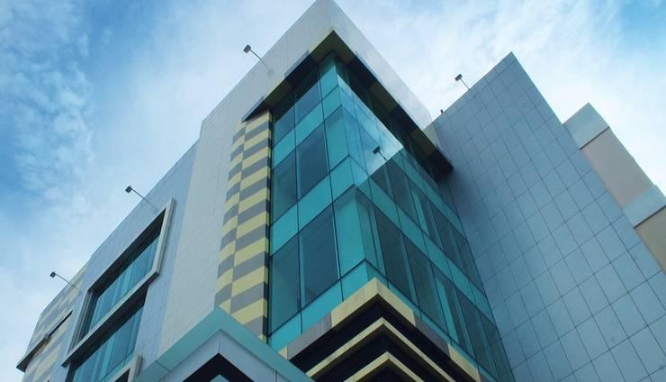 Daima Hotel  Padang - Daima exterior