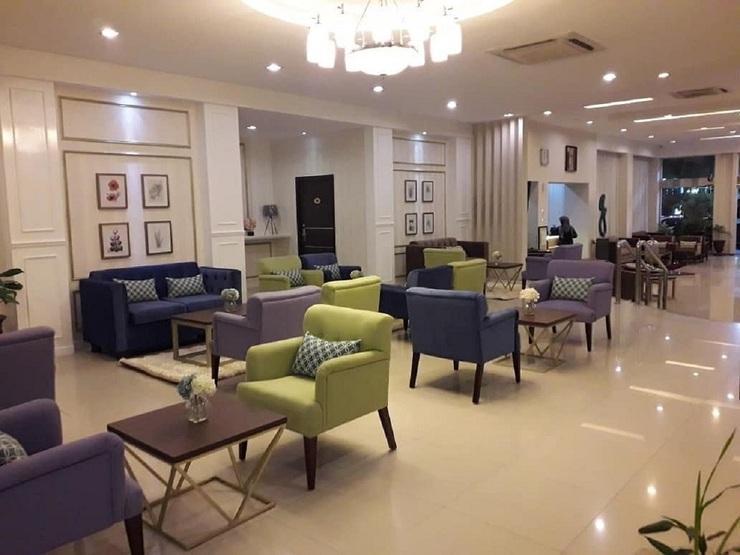 Daima Hotel  Padang - Lounge