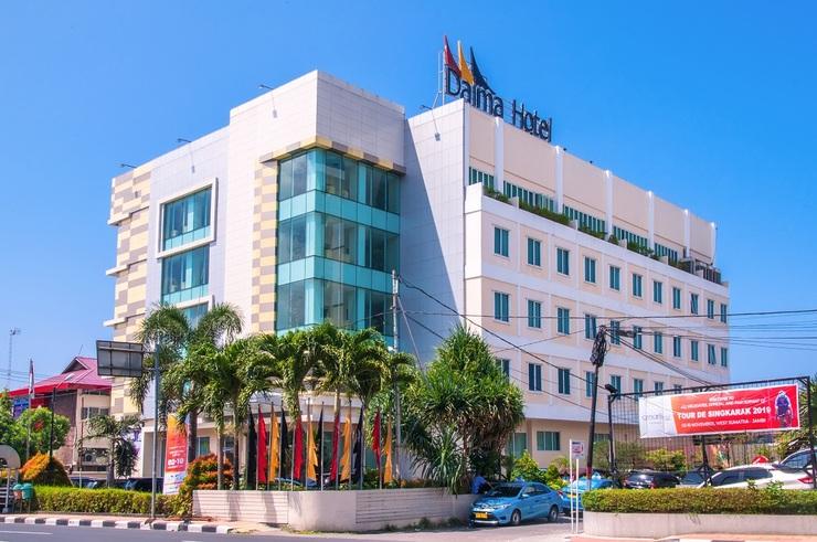 Daima Hotel  Padang - gedung