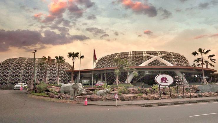 Royal Safari Garden Resort and Convention Bogor - Featured Image