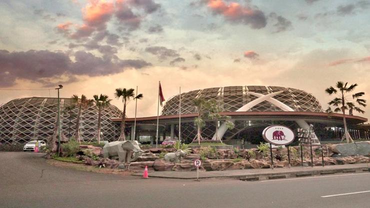 Royal Safari Garden Resort and Convention Bogor - Entrance