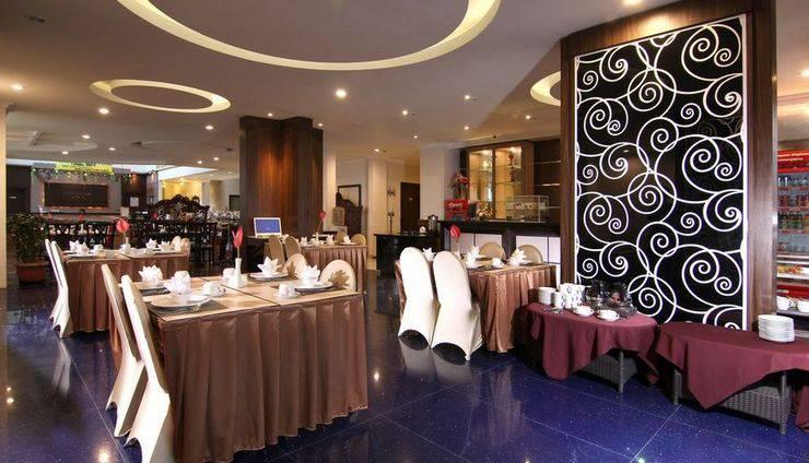 Ollino Garden Hotel Malang - Coffee Shop