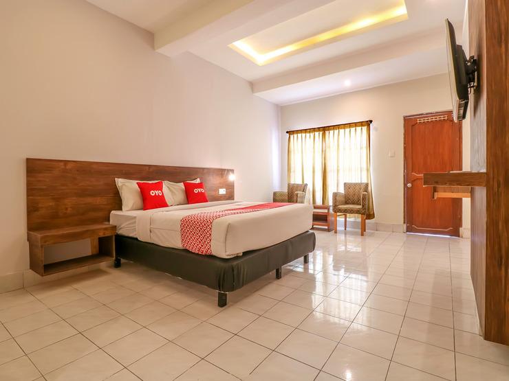 OYO 1384 Pulau Bali Hotel Bali - Deluxe Double Bedroom