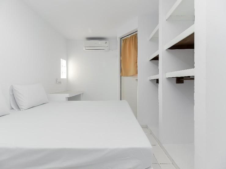 G 357 Guesthouse Depok - Bedroom