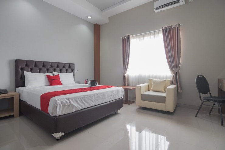 RedDoorz near Islamic Center Samarinda Samarinda - Guestroom