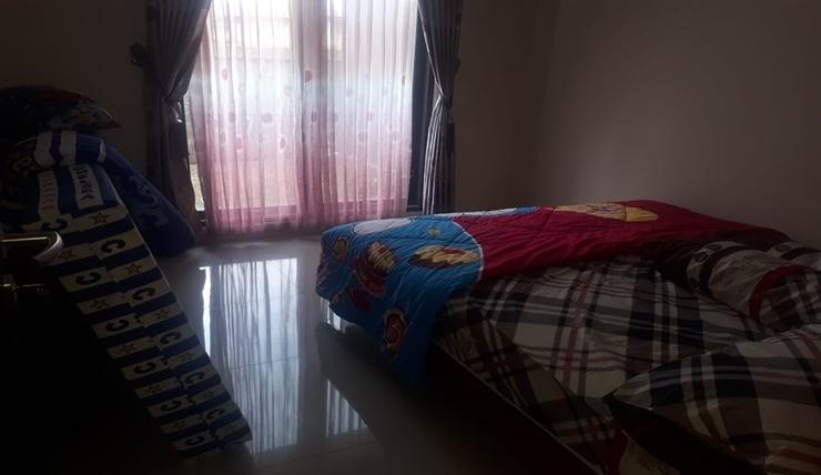 Golden Villa M78 Malang - Room