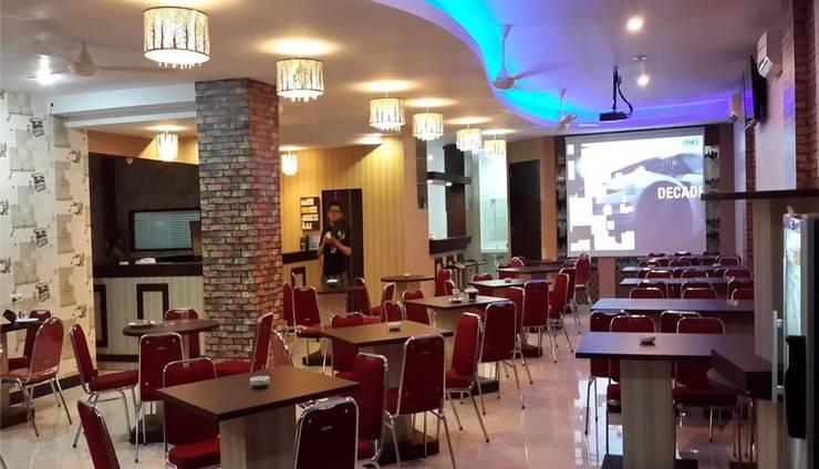 Lucky Inn & Cafe Makassar - Cafe & Resto