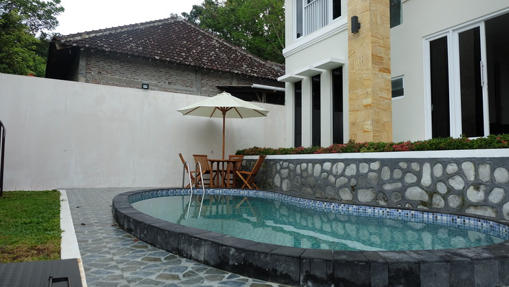 Simply Homy Guest House Villa Bantul Yogyakarta - kolam renang