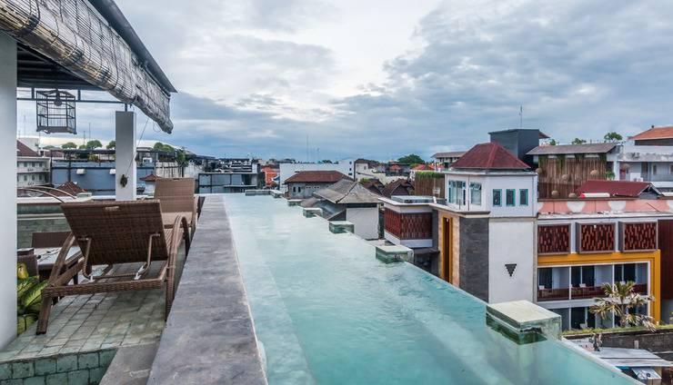 ZenRooms Legian Troppozone Thematic Bali - Kolam Renang