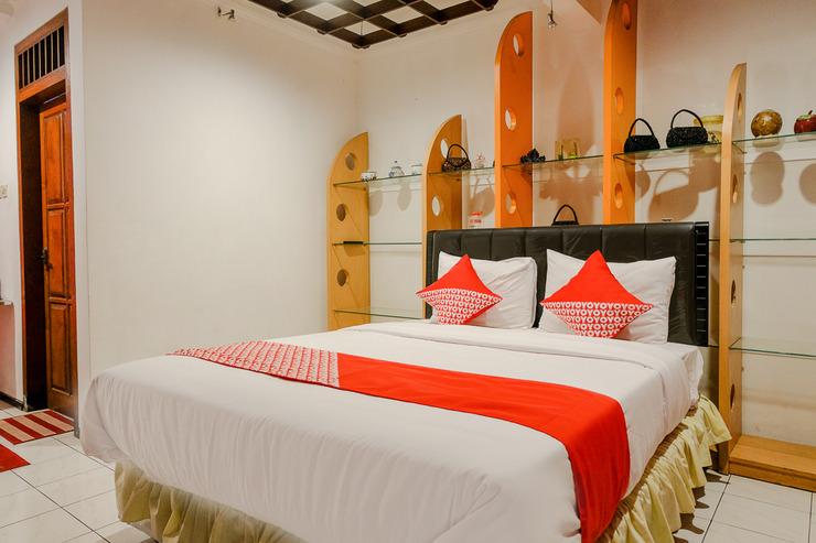 OYO 2060 Adam's Apple Family Guest House Malang - BATHROOM SU D