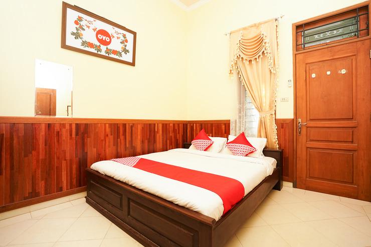 OYO 771 Kembang Kuning Residence Syariah Surabaya - Bedroom