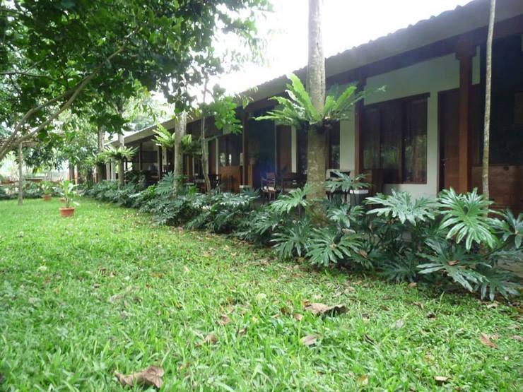 Ronia Mountain Villa Lembang Bandung - Facade
