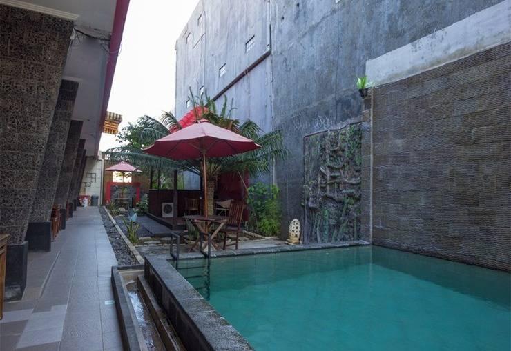 RedDoorz @Nakula Barat Legian Bali - Kolam Renang