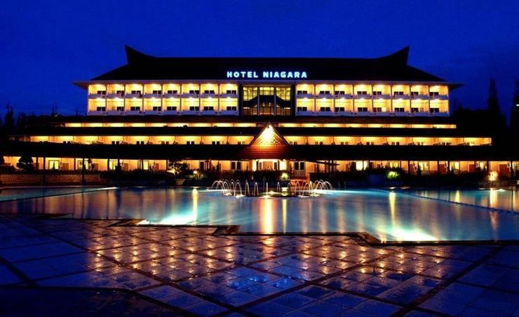 Hotel Niagara Parapat Danau Toba - Eksterior