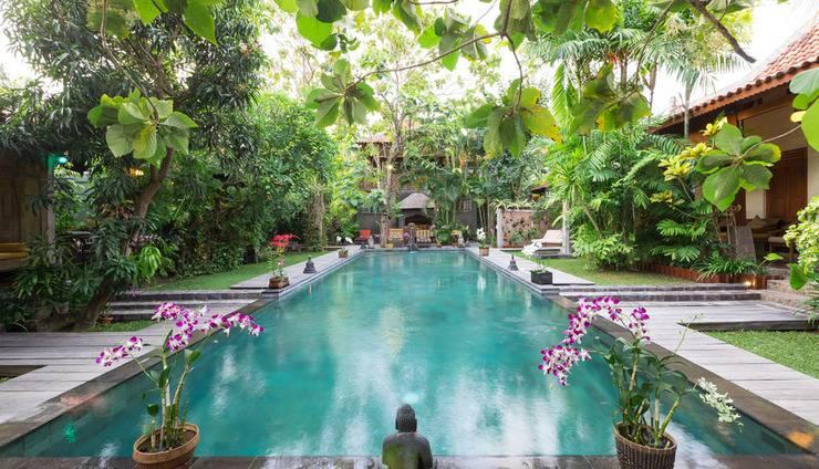 Villa Kampung Kecil Bali - Kolam renang area