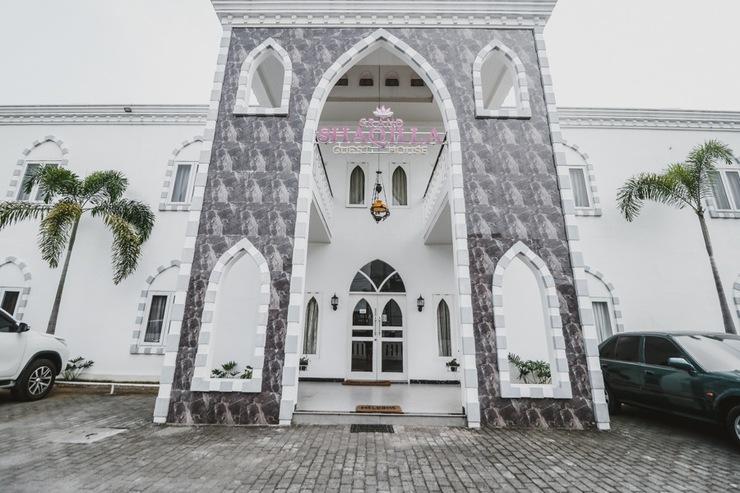 RedDoorz Plus Syariah @ Jalan Brigjend Katamso Medan Medan - Bangunan Properti