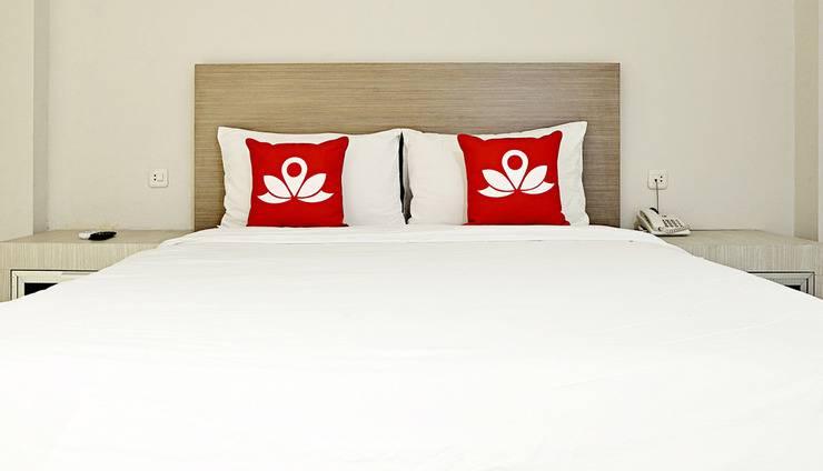 ZenRooms Hayam Wuruk Harmoni - Tampak tempat tidur double