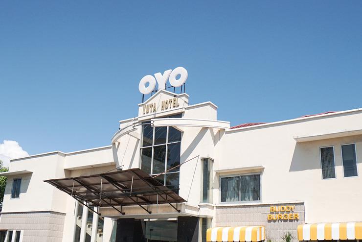 OYO 800 Hotel Yuta Manado - facade