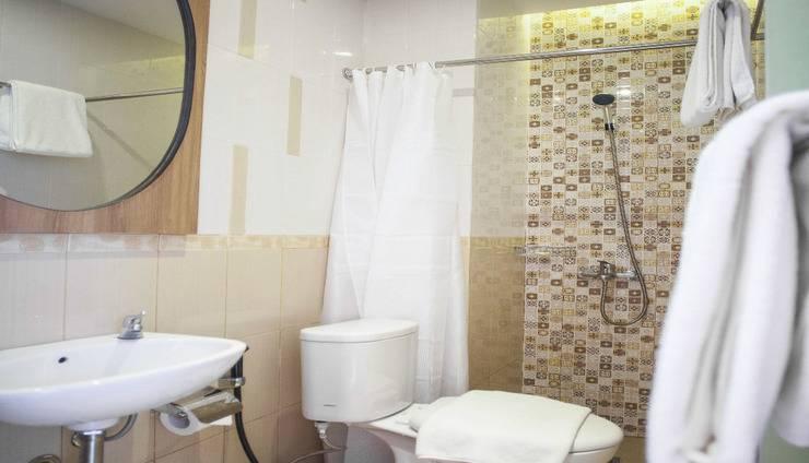 Jles Hotel Manado Manado - Toilet
