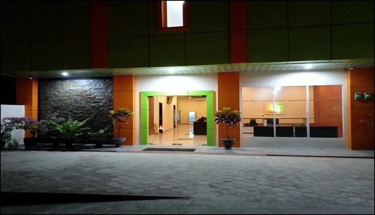 Hotel Millenium Kendari - exterior