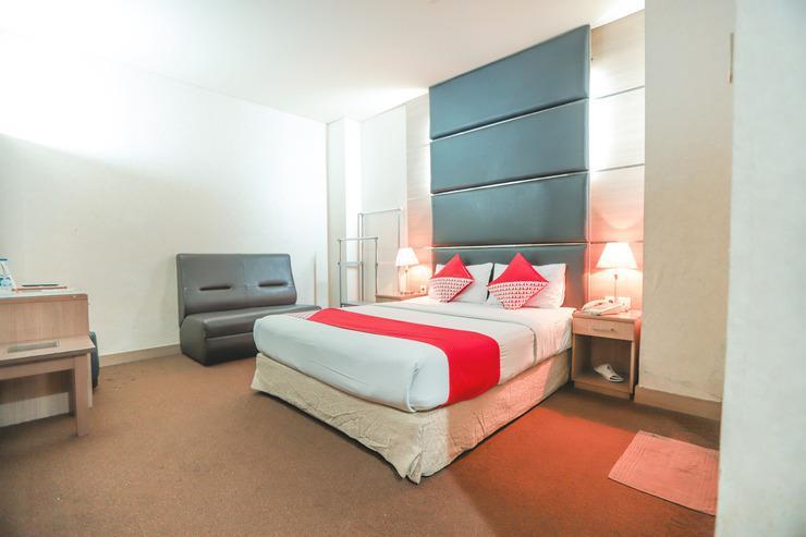 OYO 180 Hotel Mirah Near RSUD Sawah Besar Jakarta - Bedroom