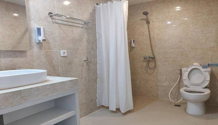 Astara Aeropolis Hotel Balikpapan Balikpapan - Bathroom