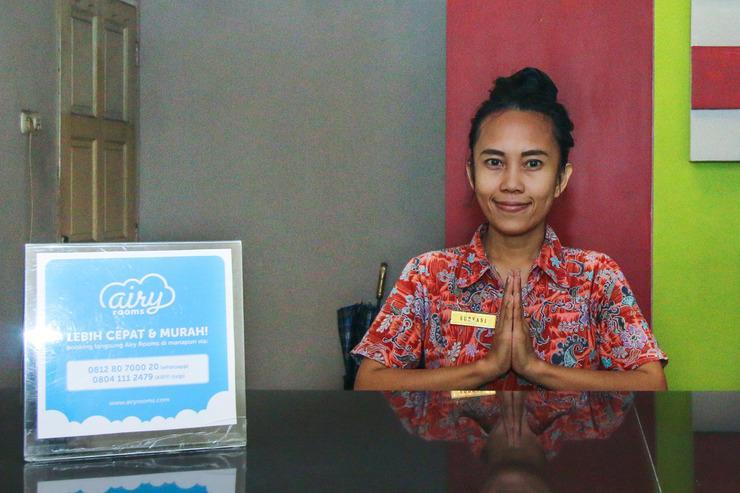 Airy Eco Sungai Saddang Lama 56 Makassar Makassar - Receptionist