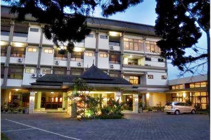 Enhaii Hotel Bandung - Eksterior
