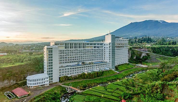 Le Eminence Puncak Hotel Convention & Resort Cipanas - Property Building
