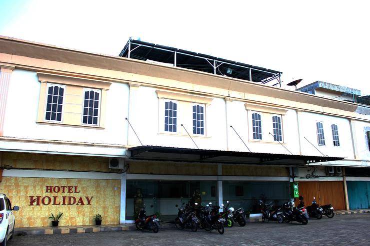 Hotel Holiday Pekanbaru Pekanbaru - Parkir