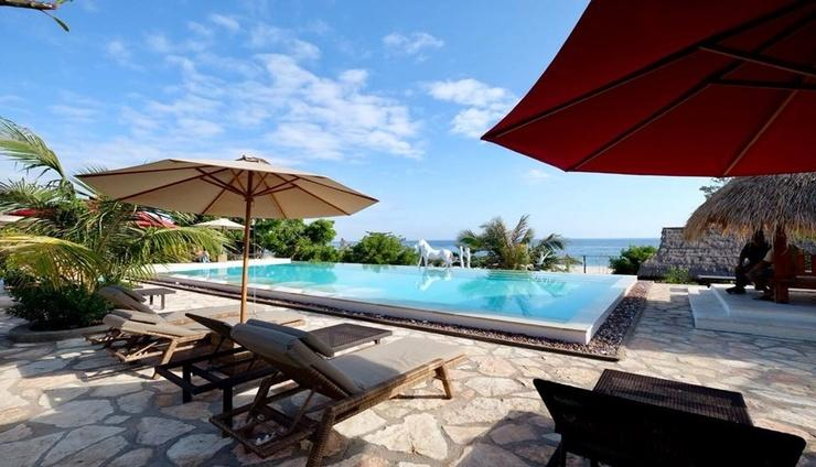Mario Hotel & Cafe Pulau Sumba - Facilities