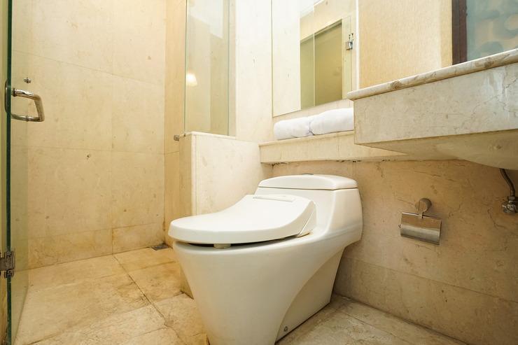 OYO 252 istana permata ngagel Surabaya - Bathroom