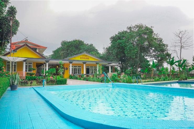 Residences by RedDoorz near Taman Safari Bogor - Photo