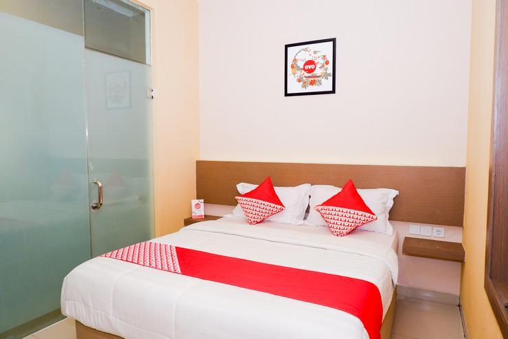 OYO 379 Grand Mundu Semarang - Bedroom